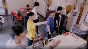明星酷愛收藏:王剛四合院豪宅曝光,琳瑯滿目藏品讓人眼花繚亂