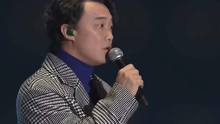 """臺下全是韓國明星,中國歌手開口就是王炸!是來""""砸場子""""的嗎?"""