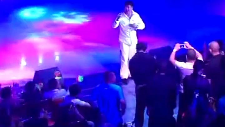 第一次看遲志強,現場演唱《鐵窗淚》唱的全是情懷
